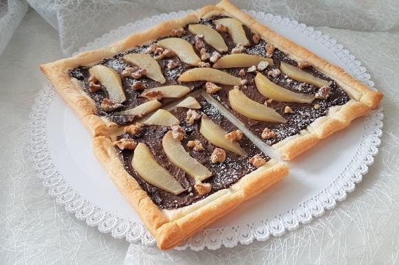 Torta sfogliata con ricotta, pere e Nutella