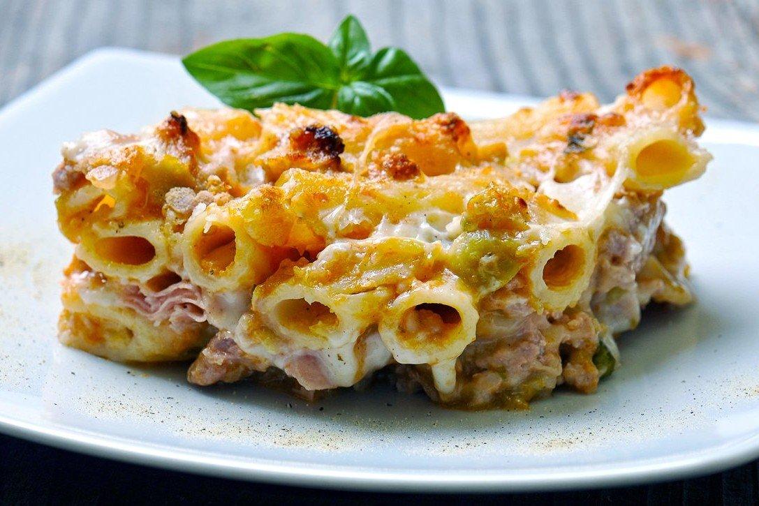 Pasta al forno con melanzane, besciamella e prosciutto - Fidelity Cucina