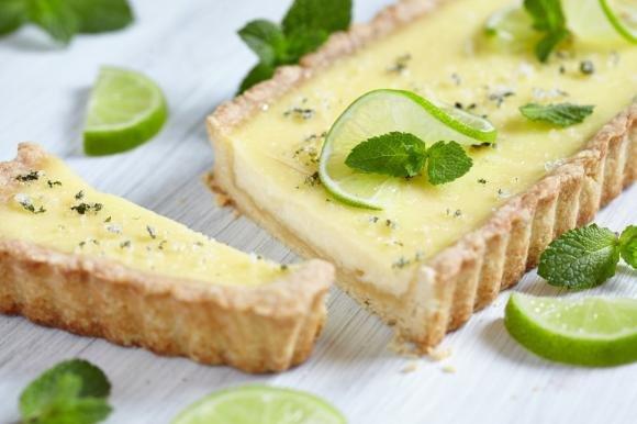 Crostata al limone, lime e menta