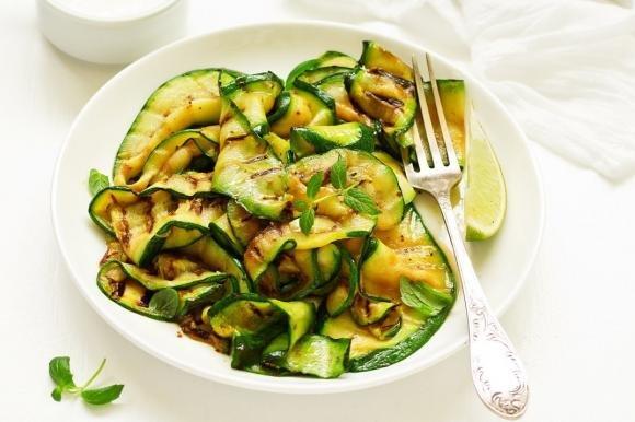 Zucchine grigliate aglio e menta