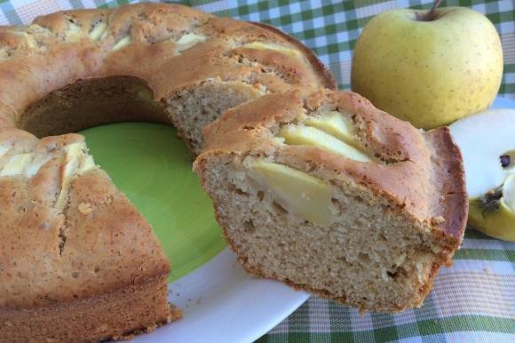 Ciambella con miele e mele senza burro