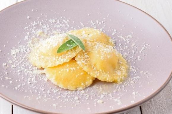 Ravioli con patate e pecorino