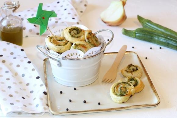 Girelle di sfoglia con zucchine e scamorza