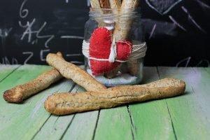 Grissini al timo e profumo di aglio