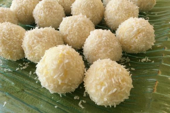 Praline di ricotta, cocco e limone