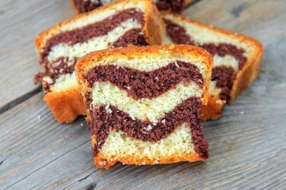 Torta marmorizzata cacao e nocciole