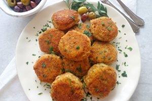 Polpette di merluzzo, patate e olive