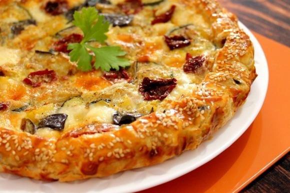 Torta salata ortolana con provola affumicata