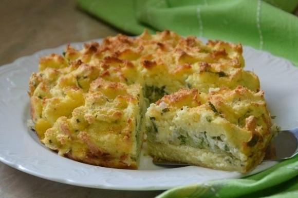 Sbriciolata di patate con broccoli e burrata
