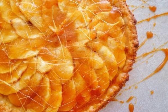 Crostata di mele e caramello