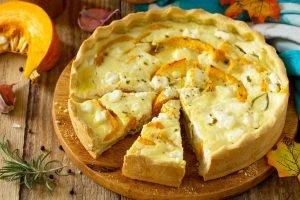 Torta di zucca salata e scamorza