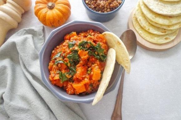 Zucca con lenticchie e cavolo riccio