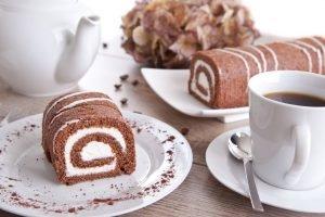 Rotolo al cioccolato e caffè con crema al mascarpone