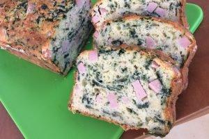 Plumcake salato con spinaci, prosciutto cotto ed emmenthal