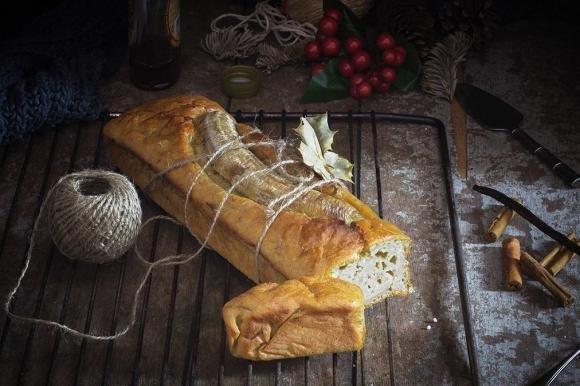Banana bread allo sciroppo d'acero, cannella e vaniglia