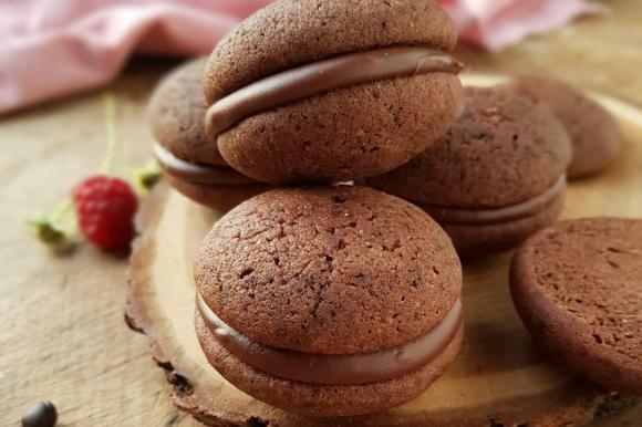Whoopie-pie al cioccolato e crema di nocciole