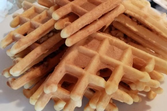 Ferratelle abruzzesi croccanti con miele e noci