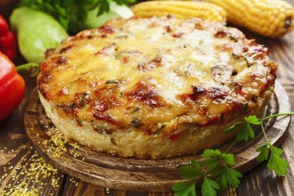 Polenta al forno con verdure e formaggio