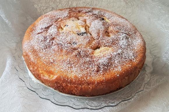 Torta di mele e mascarpone con gocce di cioccolato fondente