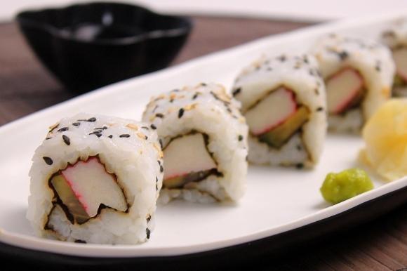 Uramaki: ricetta dei California Rolls
