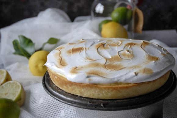 Torta meringata al limone e lime