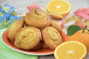 Girelle dolci di Carnevale all'arancia