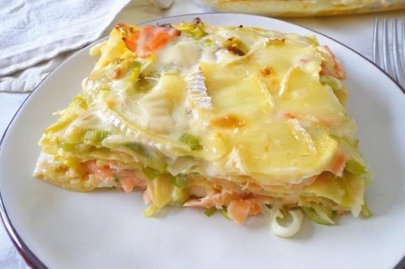 Lasagne con porri, salmone affumicato e brie