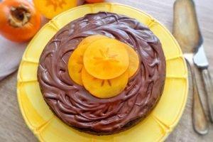 Torta di cachi e cioccolato
