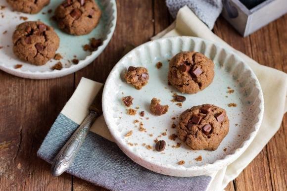 Cookies al caffè con pepite di cioccolato