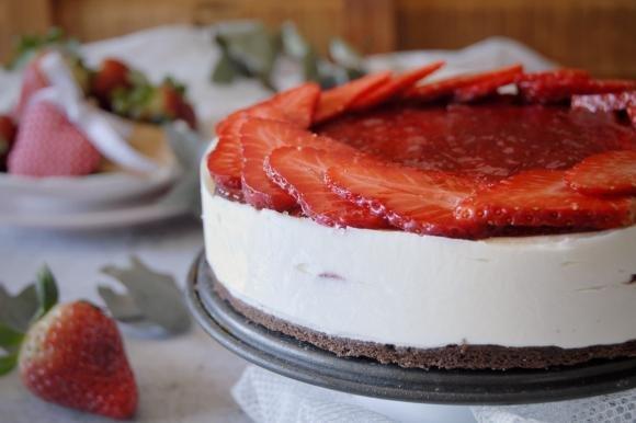 Cheesecake con ricotta e marmellata senza cottura