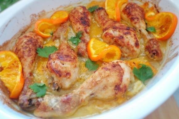 Cosce di pollo con arancia e finocchi al forno