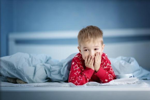 Un bambino su 4 soffre di disturbi del sonno. La colpa? Anche dell'alimentazione