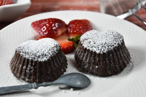 Tortino al cioccolato con cuore di Nutella aromatizzato all' arancia