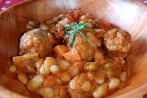 Salsicce e fagioli con peperoncino