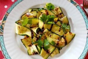 Zucchine grigliate aglio e peperoncino