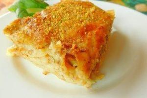 Lasagne con pistacchi, provola e pancetta affumicata