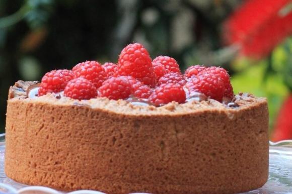 Torta antica lamponi e cioccolato
