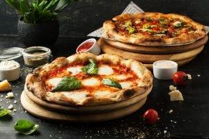 Come fare la pizza in casa: consigli e ricette per un risultato perfetto