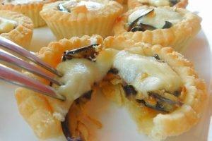 Tartellette alla parmigiana con provola