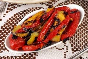 Peperoni arrostiti: al forno e in padella