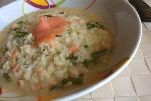 Risotto al salmone affumicato con asparagi e stracchino