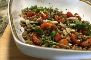 Insalata di lenticchie e pomodorini confit