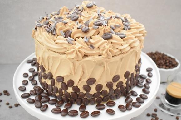 Torta con crema pasticcera al caffè