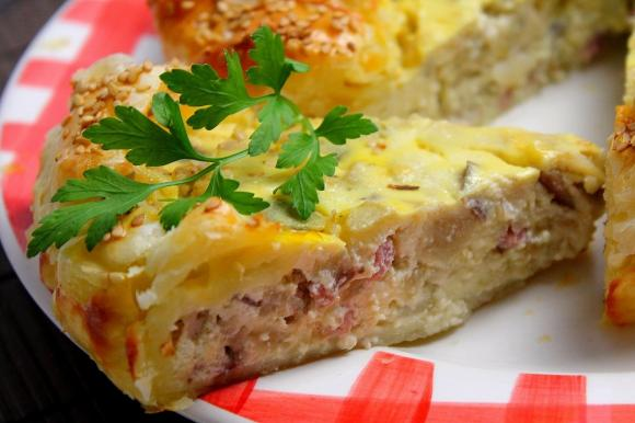 Torta salata con melanzane, ricotta e pancetta affumicata