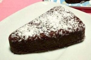 Torta con caffè, cacao e spezie