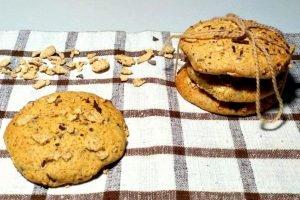 Biscotti corn flakes con gocce di cioccolato