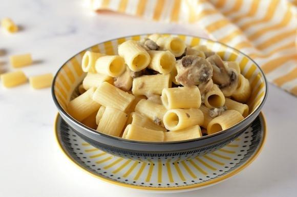 Pasta con crema di patate e funghi