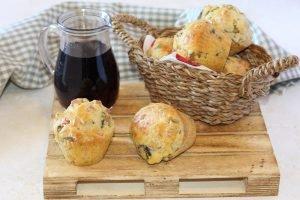 Muffin con prosciutto cotto e funghi