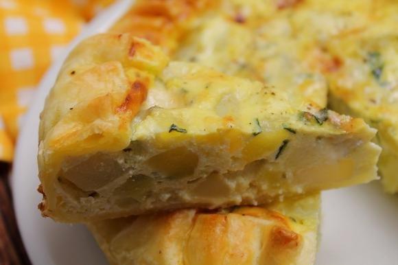 Torta salata con patate, zucchine, ricotta e gorgonzola dolce