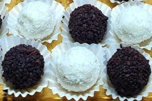 Palline di ricotta, cocco e cacao